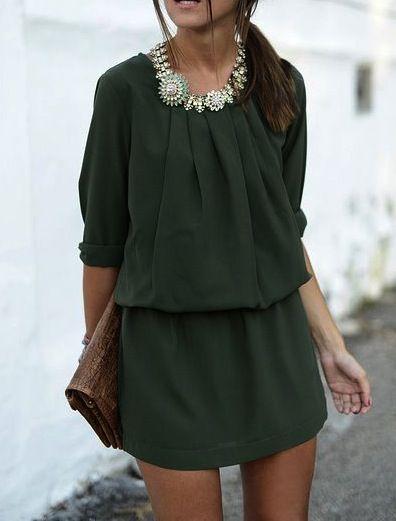 Vestido Verde, el accesorio clave en este look