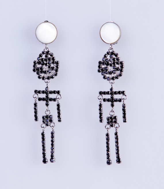 Moving Skeleton Earrings  Orecchini scheletri in by VAMPbijoux, €110.00