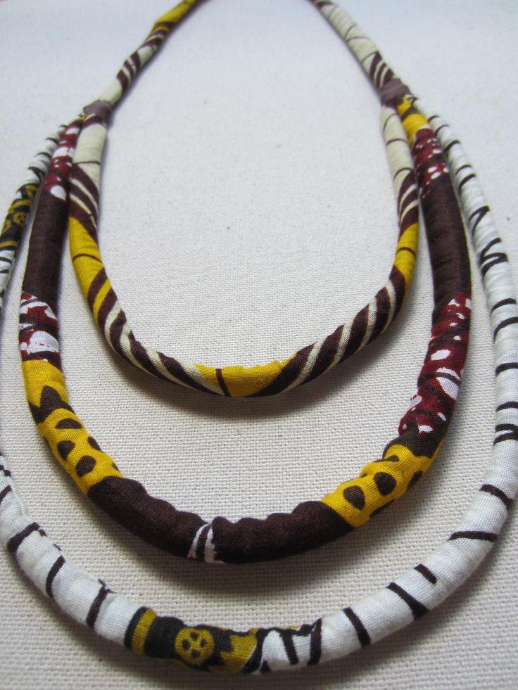 Collier ethnique en wax tissu africain beige prune et marron (envoi 0€)  - par Cewax sur Afrikrea, €35.00