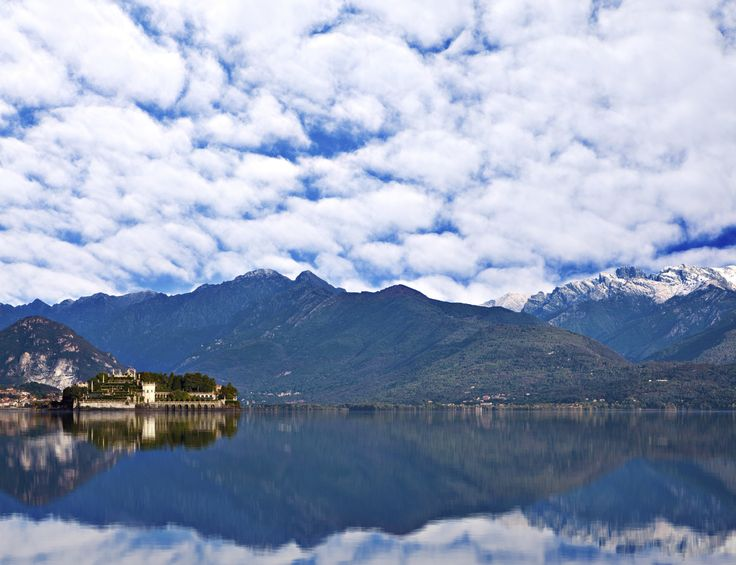 Veduta delle Alpi e del Lago Maggiore