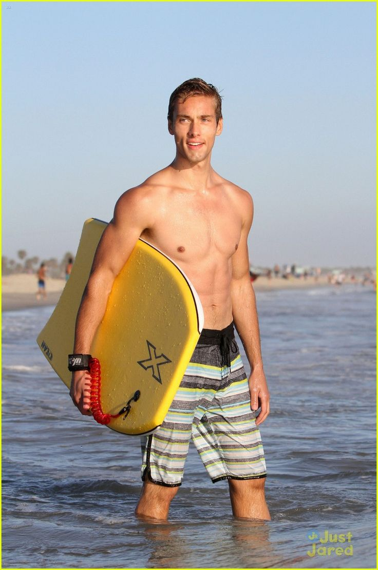Shirtless Austin North Gets Wiped Out by Waves While Boogie Boarding | austin north beach day boarding lunch 05 - Photo