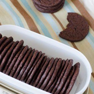 DIY Homemade Chocolate Wafers