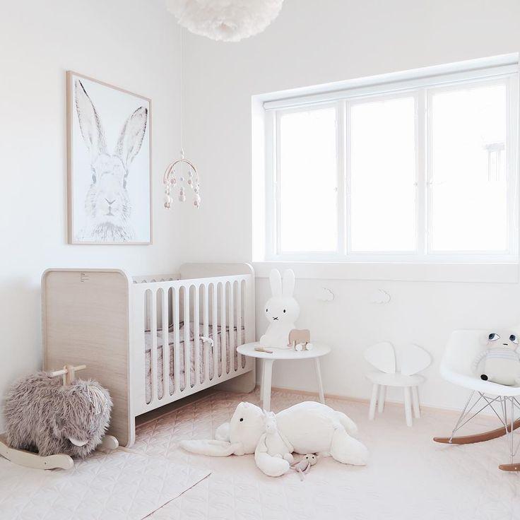 White and wood nursery Liapela.com