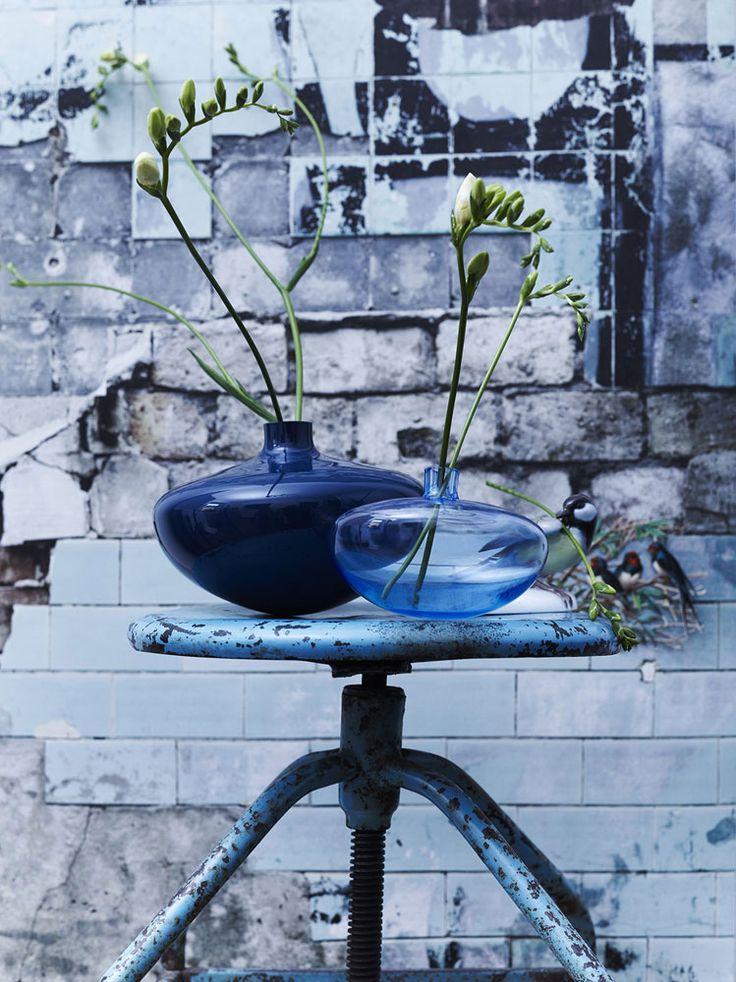 10 shades of blue | Swinging vase, Silke Decker, Rosenthal, 2016