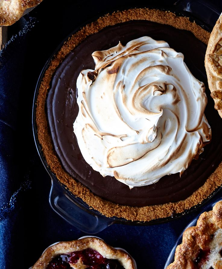 Our favorite campfire treat in pie form. Happy National S'mores Day!