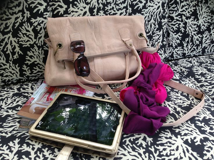 love!!!  See the Earth Satchel  Handmade #leather #one1earth www.one1earth.com