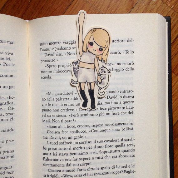 Taylor Swift hanging cute bookmark with Olivia and di Liliesx