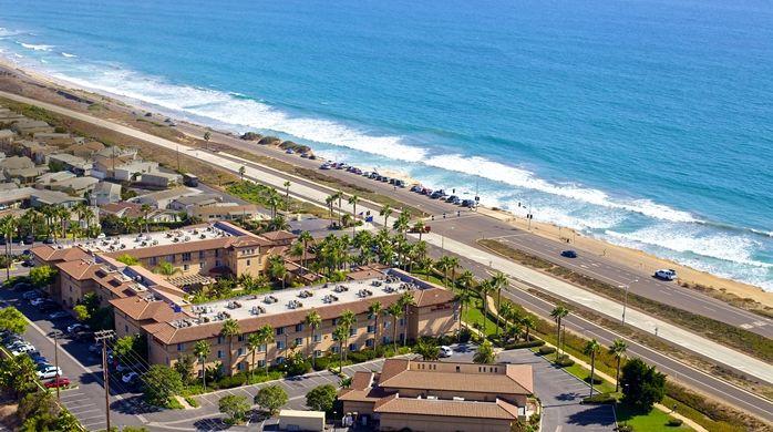 Hilton Garden Inn Carlsbad Beach Hotel, CA - Hilton Garden Inn Carlsbad Beach Hotel Exterior