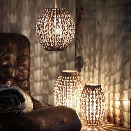 Rieten hanglamp. www.blockdesign.nl