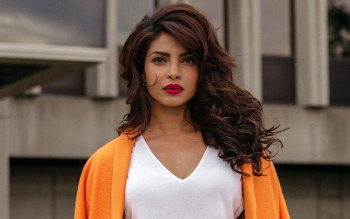 Kya Quantico Actress #PriyankaCopra Bollywood Ko Kahengi Alvida? Padhiye Poori News Yaha Se: http://nyoozflix.in/bollywood-gossip/priyanka-ka-bollywood-ko-alvida/