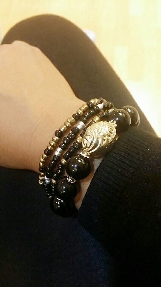 More Layers of Balck and Gold.