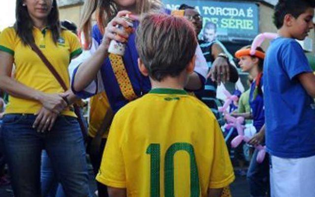Il bambino brasiliano che si chiama con il nome di tanti campioni del calcio #bambino #nome #brasile #zidane #henry