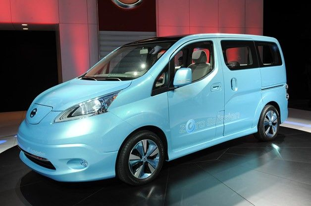 Nissan e-NV200 Concept makes up for its looks with utility [w/video]