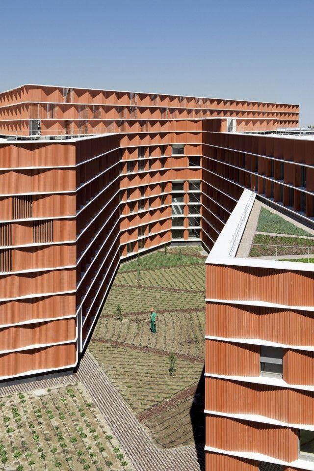 Estudio Beldarrain > Edificio Carmen Martín Gaite