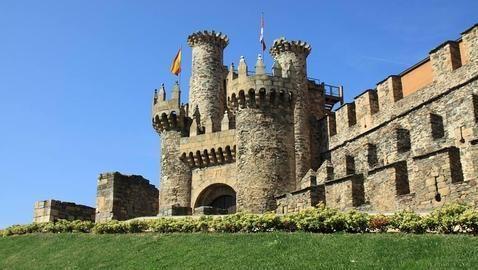 Castillo Templario. Ponferrada. Spain.  En 1178 Ponferrada pasa a depender de la Orden del Temple y estos amplían y mejoran la construcción para convertirla en una defensa del Camino de Santiago.