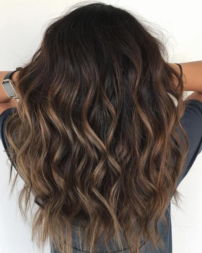 Brünettes Haar mit subtilen Highlights - #brunettes #