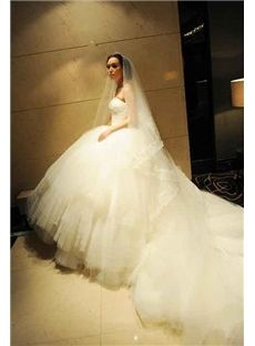 Floor-Length Tiered Elegant & Luxurious Spring Ball Gown Lace-up Sleeveless Chapel Wedding Dress