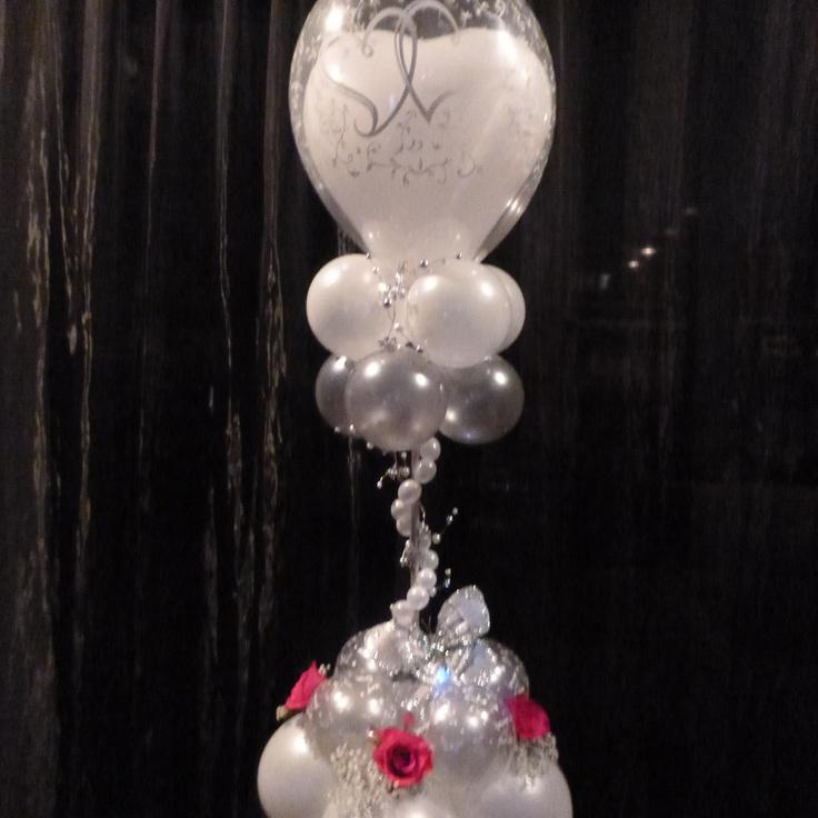 Balloon Table Centre Ideas for a wedding