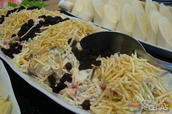 Receita de Salpicão de frango com batata palha em receitas de saladas, veja essa e outras receitas aqui!