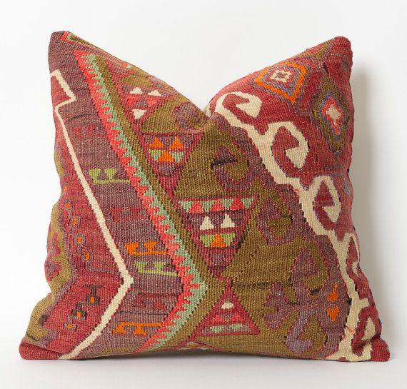 17 meilleures id es propos de tapis kilim sur pinterest. Black Bedroom Furniture Sets. Home Design Ideas