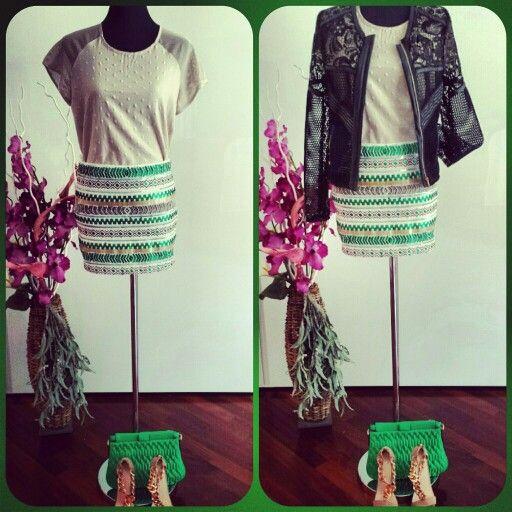 #outfit #fashion #gonna #pailettes #adoro #maglietta #stampa #retina #velo #dietro #giubbino #traforato #fantastico #per #informazioni #scriveteci