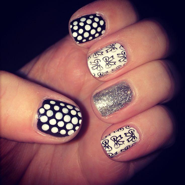 Bow nail stamp with polka dots