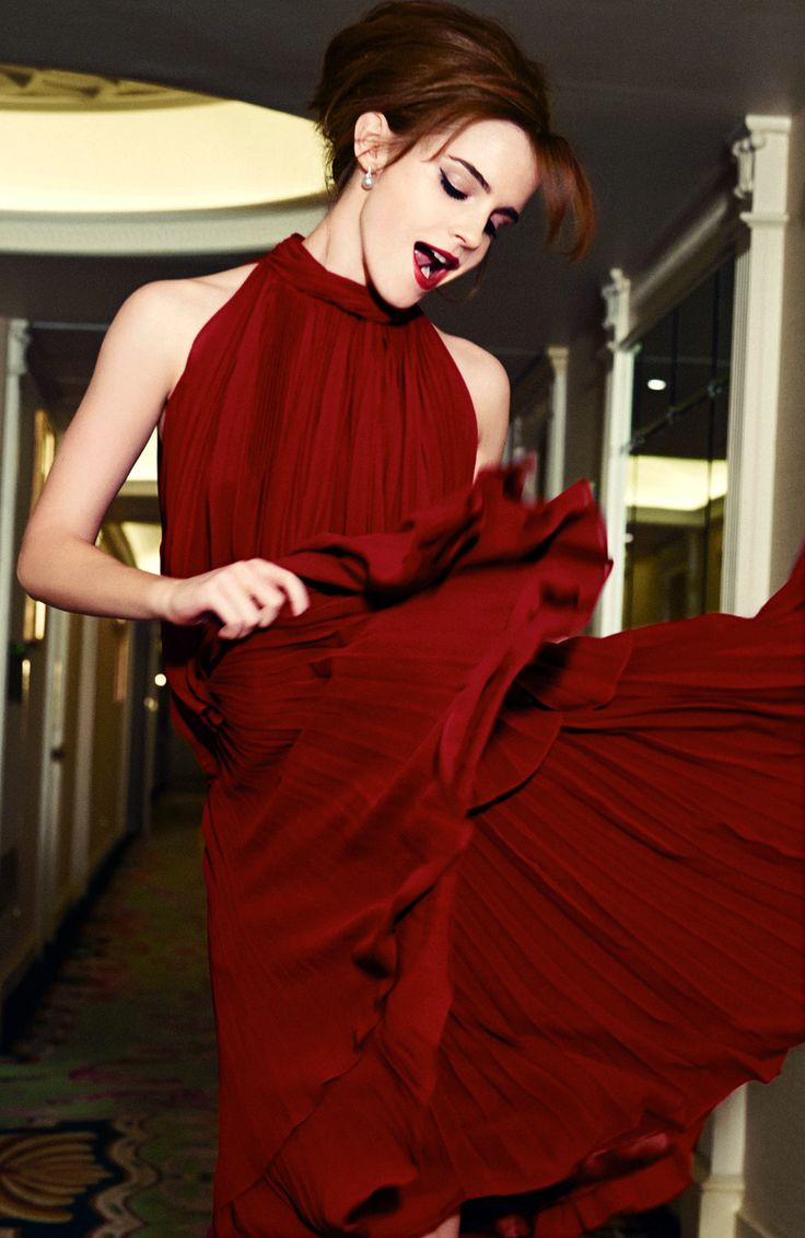 """Emma Watson revela que en su nueva producción de """"la bella y la bestia"""" hay un mensaje oculto, que será❓"""