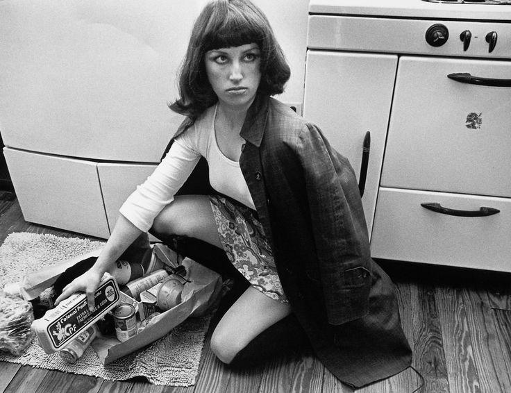 Cindy Sherman - Self Portraiture