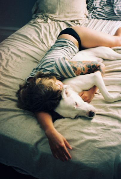 Reminds me of Ashley Brackett's old pup paradise :) She was the best cuddler :)