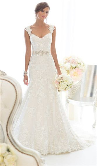I love the look of softness from this dress, it's not outrageous, and has everything I want!