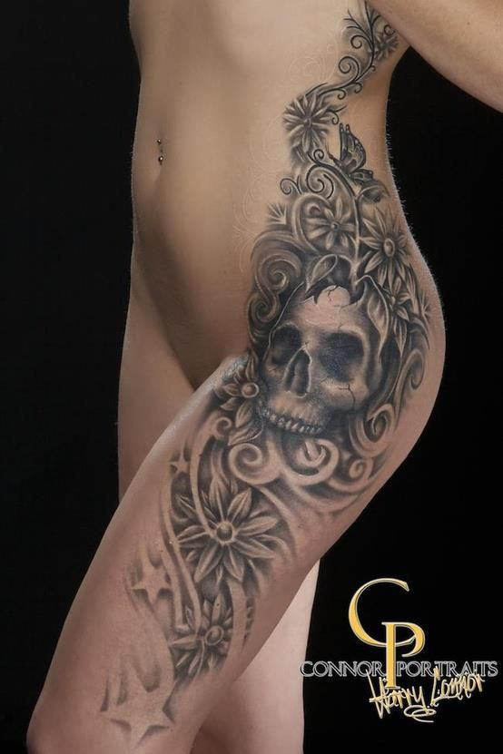 ❤ love the skull in such a feminine tattoo