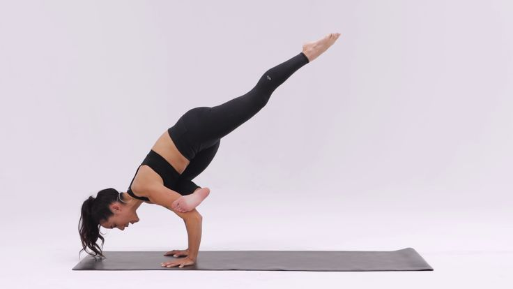 Pin by YOGA PANTS on Pigeon yoga poses | Flying pigeon ...