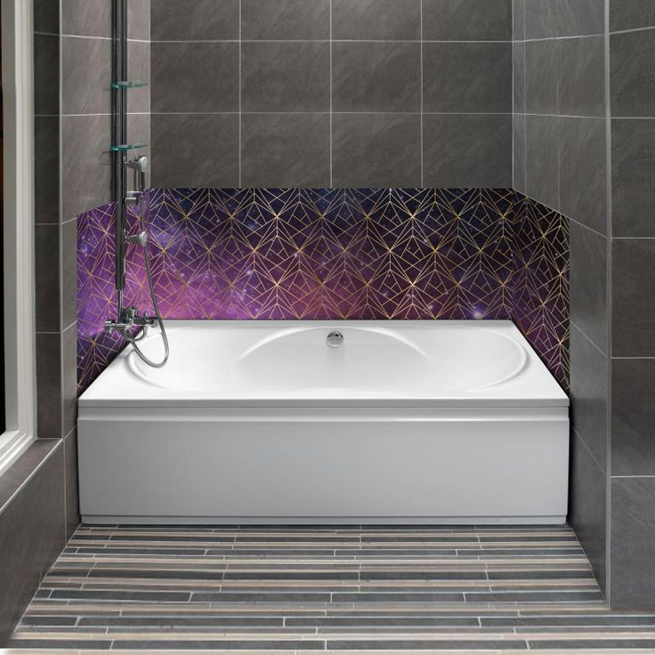 Une ambiance galaxie dans la salle de bain. Personnalisable en un seul, deux ou trois panneaux, selon vos dimensions.