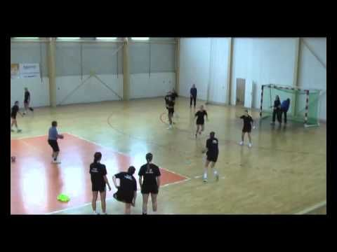 'Knives and Guns' backcourt player training by Wolfgang Pollany