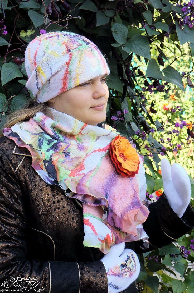 Купить Шапка бини валяная женская Краски ранней осени - белый, абстрактный, валяные варежки