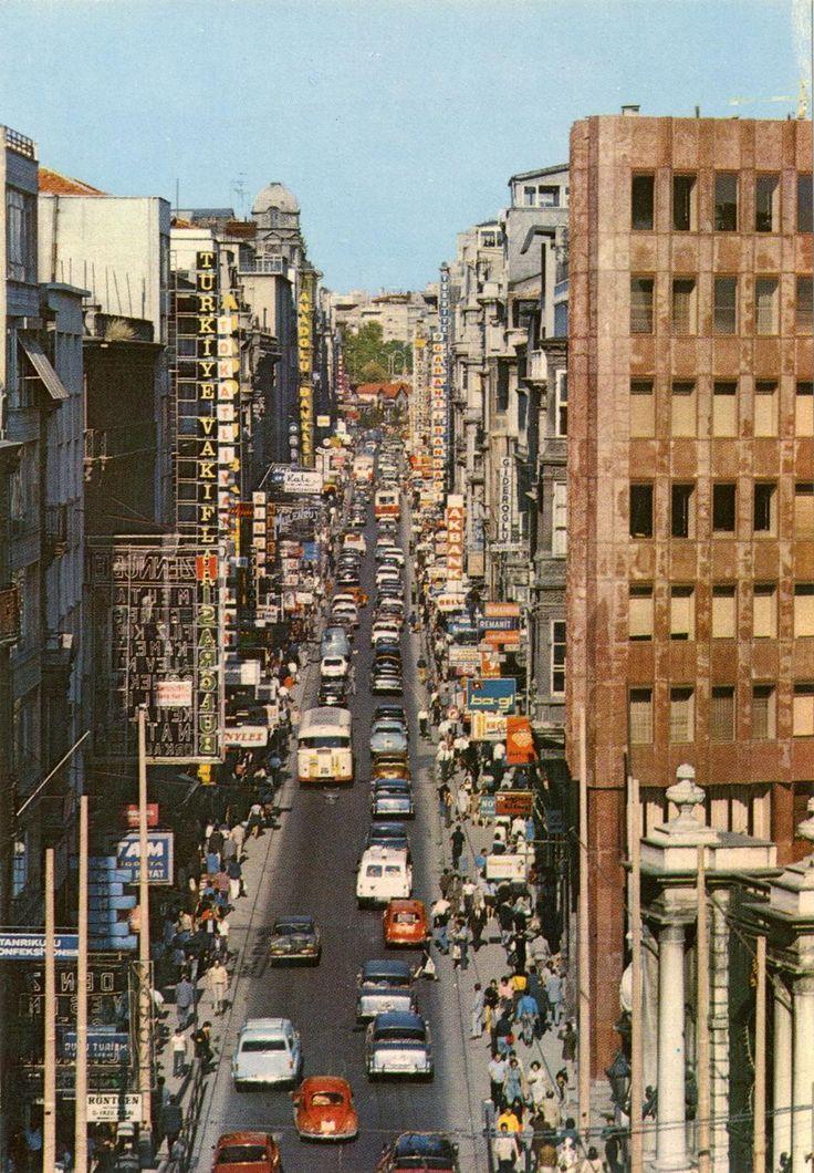 İstiklal Caddesi (1970'ler).