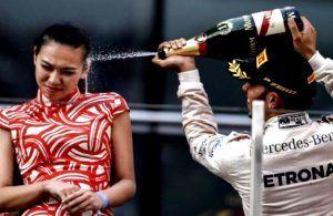 Lewis Hamilton Bilang Sungguh Gila! Kenapa Ya?