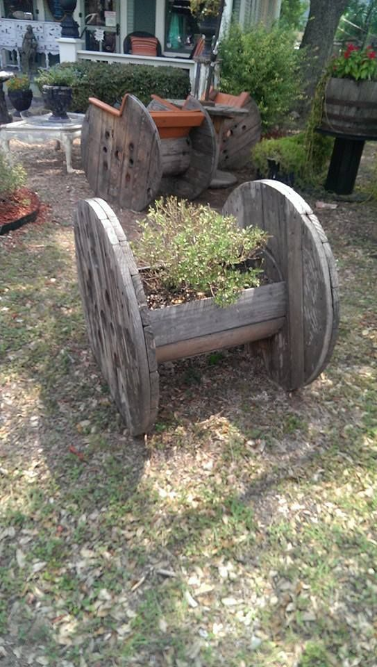 Planter Made With A Wire Spool Diy Gardening Amp Yard Art