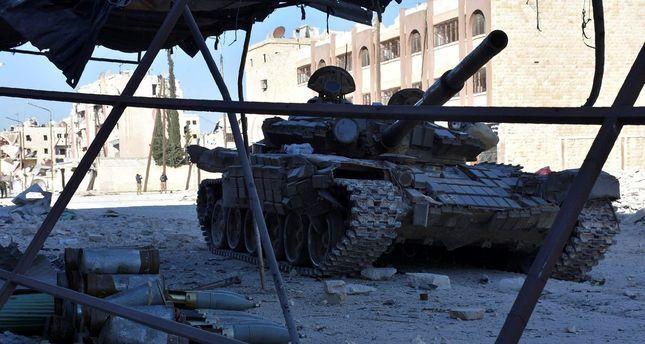 Pejuang Suriah Kehilangan Wilayah Kunci di Aleppo Krisis Kemanusiaan Makin Memburuk  ALEPPO (SALAM-ONLINE): Di tengah seruan segera dikirimnya anti-pesawat untuk pejuang oposisi di Suriah rezim Basyar Asad dan Rusia telah mengambil keuntungan yang signifikan di Aleppo. Rezim dan Rusia menempatkan banyak pasukan di bagian utara wilayah terkepung yang dikuasai oposisi untuk pertama kalinya dalam empat tahun.  Pertempuran di Aleppo telah diintensifkan dalam beberapa hari terakhir yang…