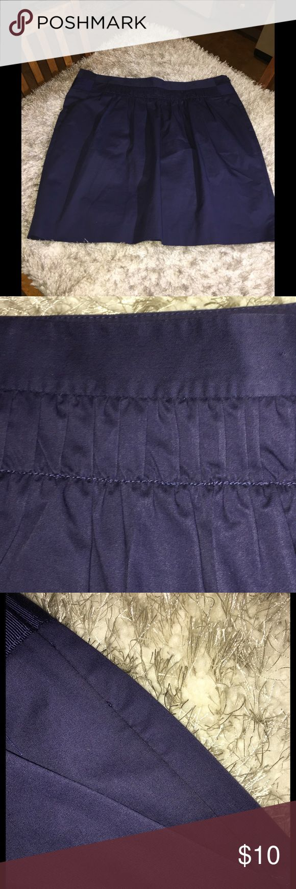 Banana Republic Navy Blue Pencil Skirt Size 12 Banana Republic navy blue skirt.  Pencil style, front has s Pleated accent in front.  Size 12.  Skirt is 18.5 inches long.   Great condition.   Important:   All items are freshly laundered as applicable prior to shipping (new items and shoes excluded).  Not all my items are from pet/smoke free homes.  Price is reduced to reflect this!   Thank you for looking! Banana Republic Skirts Pencil