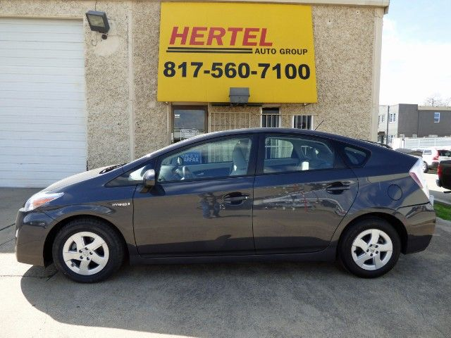 Precious Prius Pass Up The Fuel Pumps In This 2010 Toyota Prius