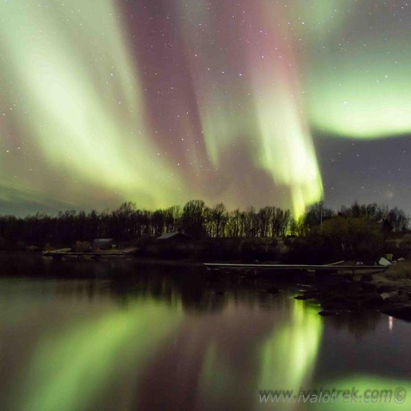 The Northern lights in Lake Inari