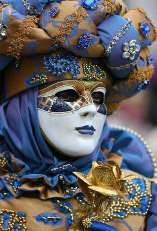 VeniceVenice Carnivals, Carnivals Costumes, Venetian Masks, Masque Ball, Masks Masquerades, Venice, Venetian Carnivals, Carnivals Masks, Masquerades Customs