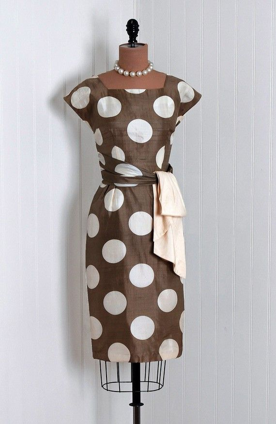 50s housewife dress. Screw it- you don't have to be a housewife to rock it.