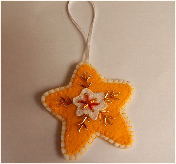 Beaded Star Ornament by Art Threads: Christmas in July - 2012 Felt Ornaments Part 1