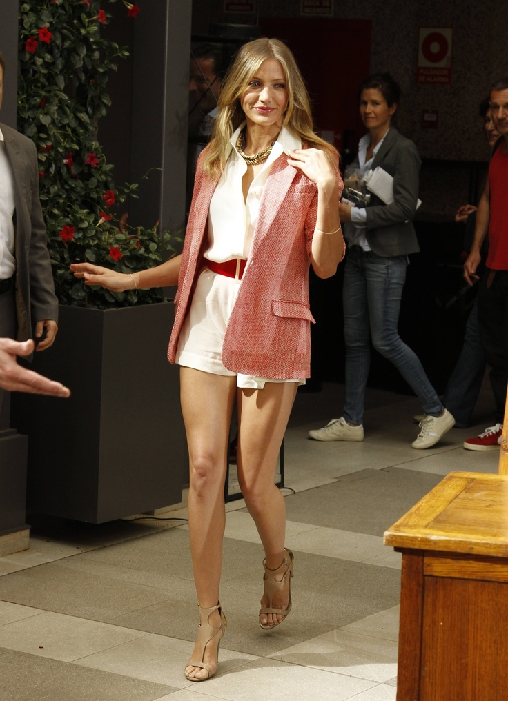 Elizabeth and James blazer, Sergio Rossi sandals, Giles & Brother Necklace - Cameron Diaz - Bad Teacher Madrid, Spain