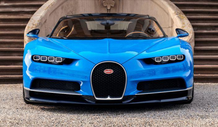 Dünyanın En Hızlı Otomobili ünvanı almaya hazırlanan Bugatti, Chiron modeli ile görücüye çıktı.