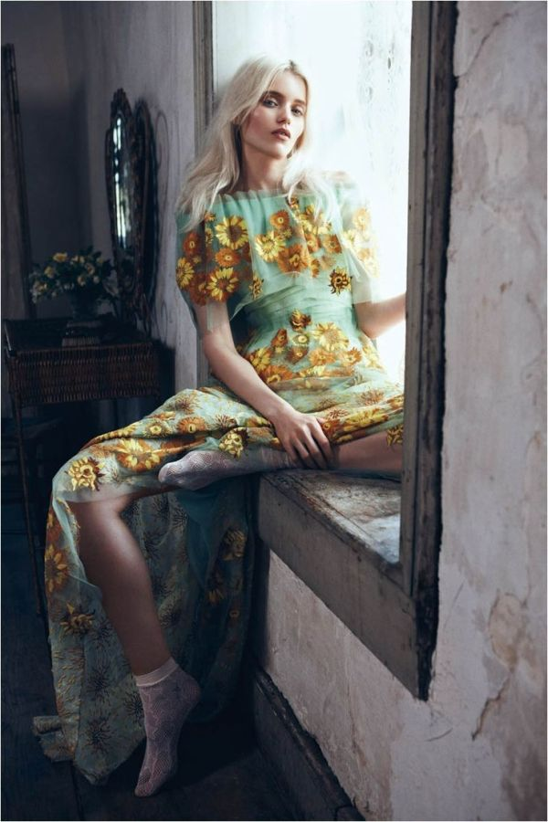 Abbey Lee Kershaw by Lachlan Bailey for Vogue China May 2012 -- Portrait - Fashion - Editorial - Photography - Pose