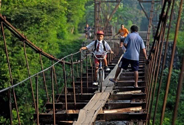 Children in Third World Countries Risk Their Lives to Get to School