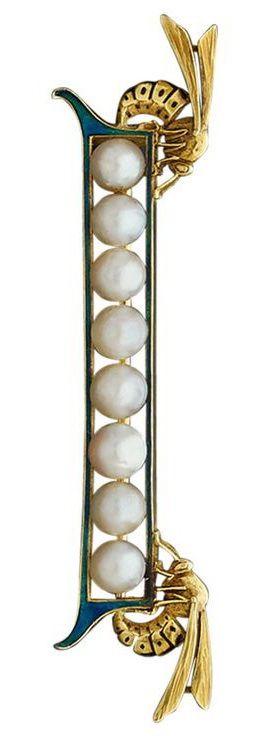 Art Nouveau brooch. Enamel, natural pearls, gold.